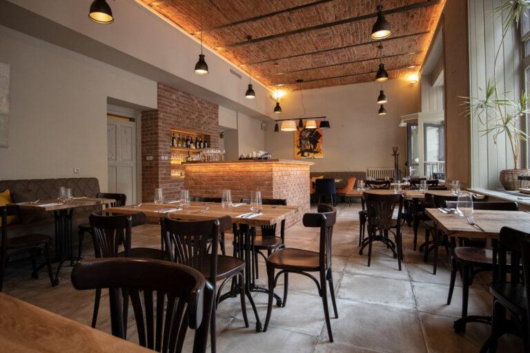 Interiér středomořská kuchyně restaurace Da Clara